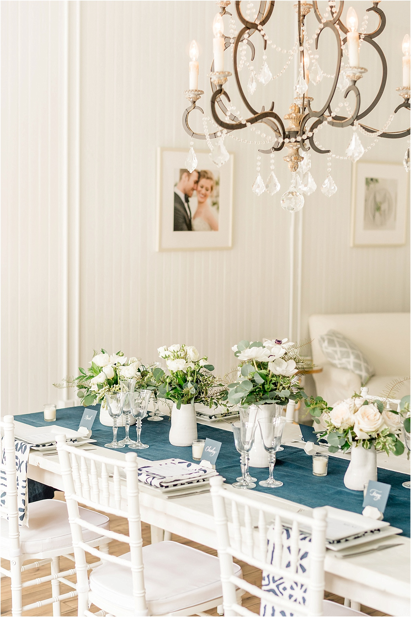 classic and modern blue and white table setting wedding