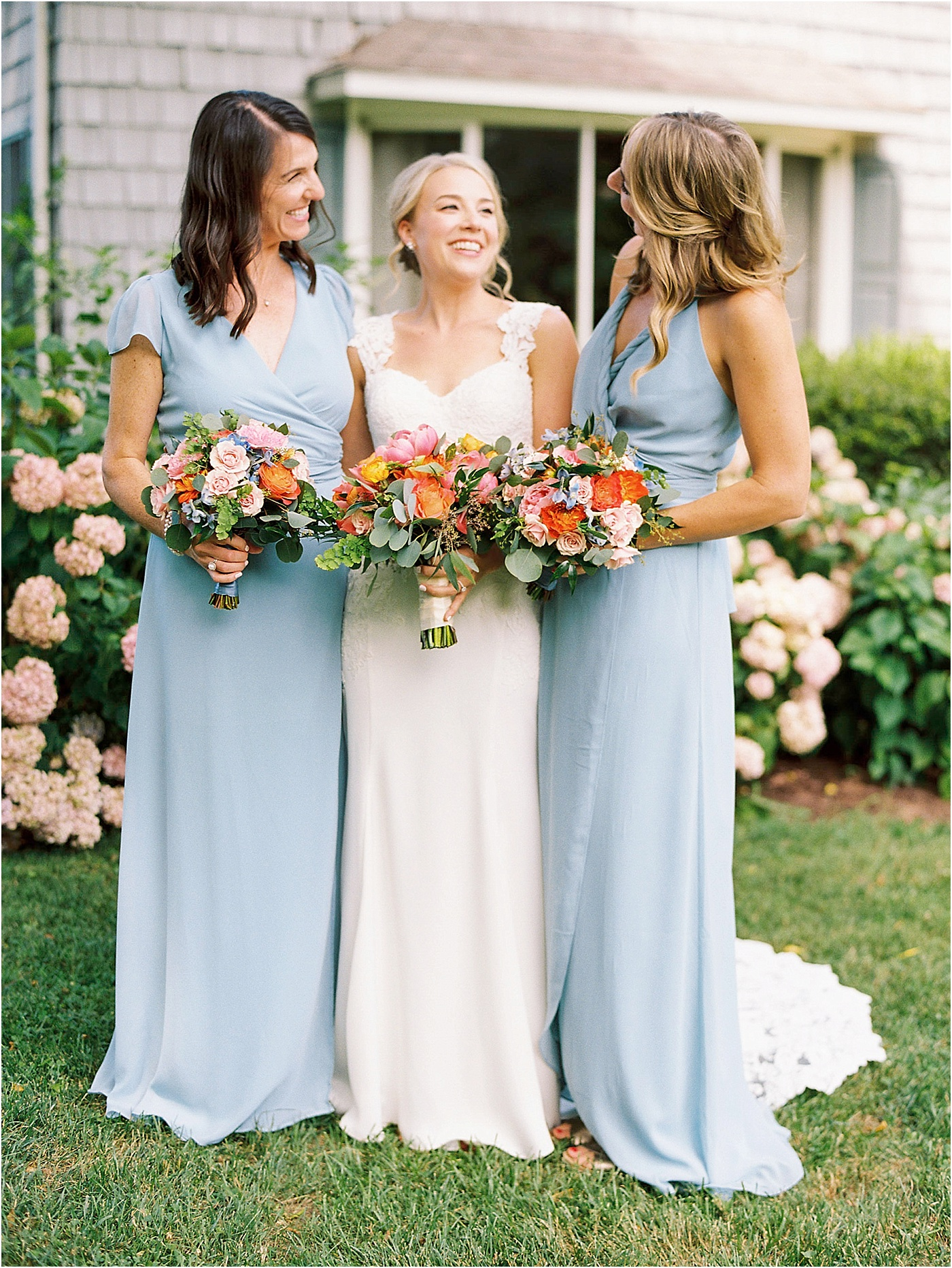 vibrant summer wedding bouquet