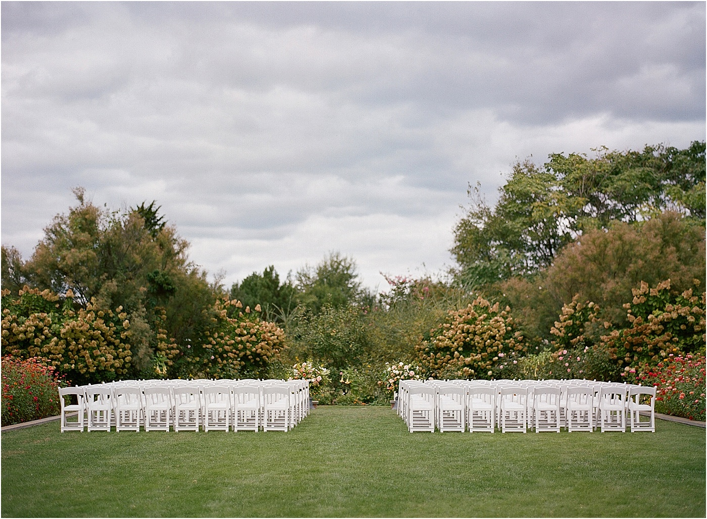 simple and classic wedding