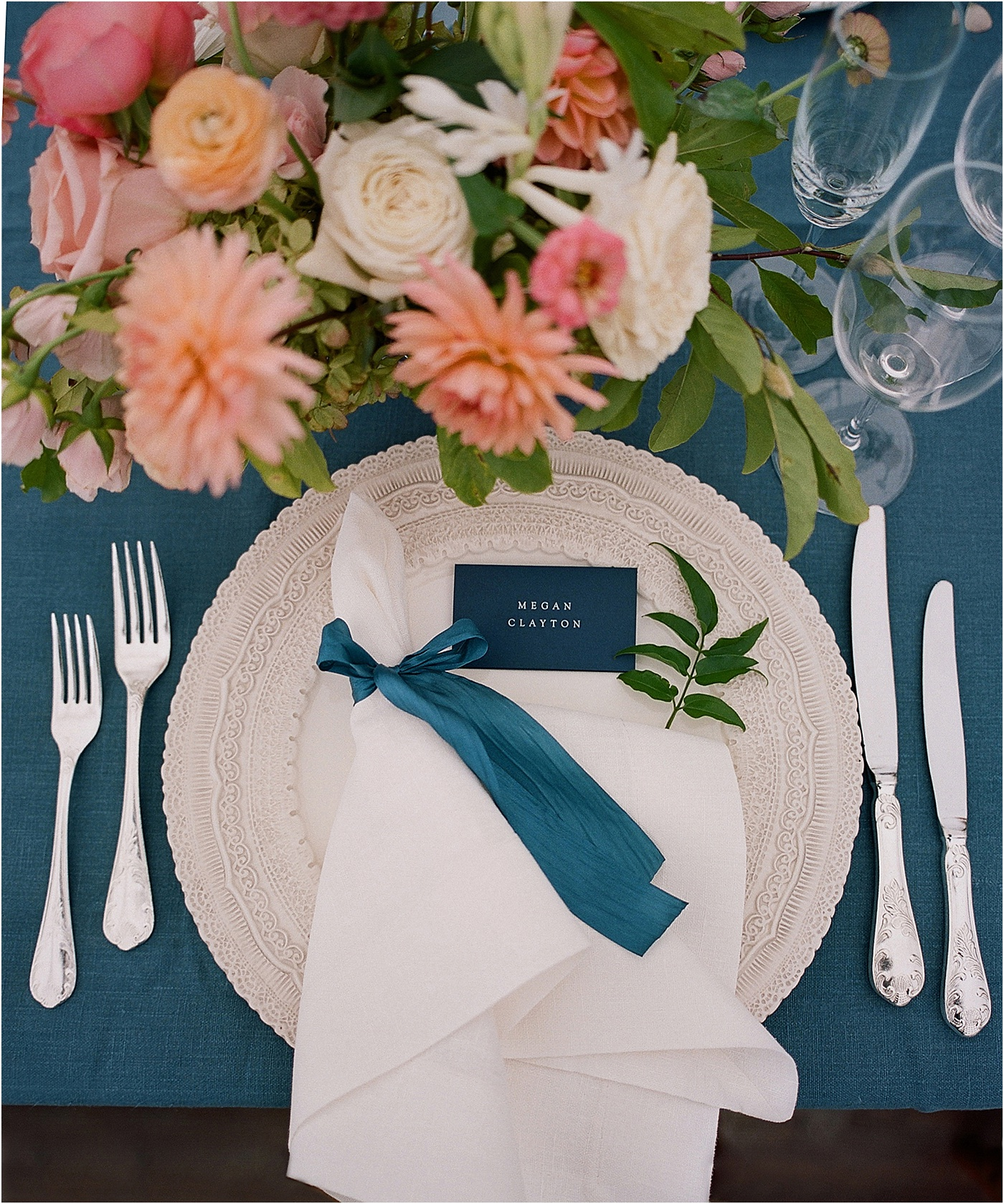 classic blue and white place setting wedding