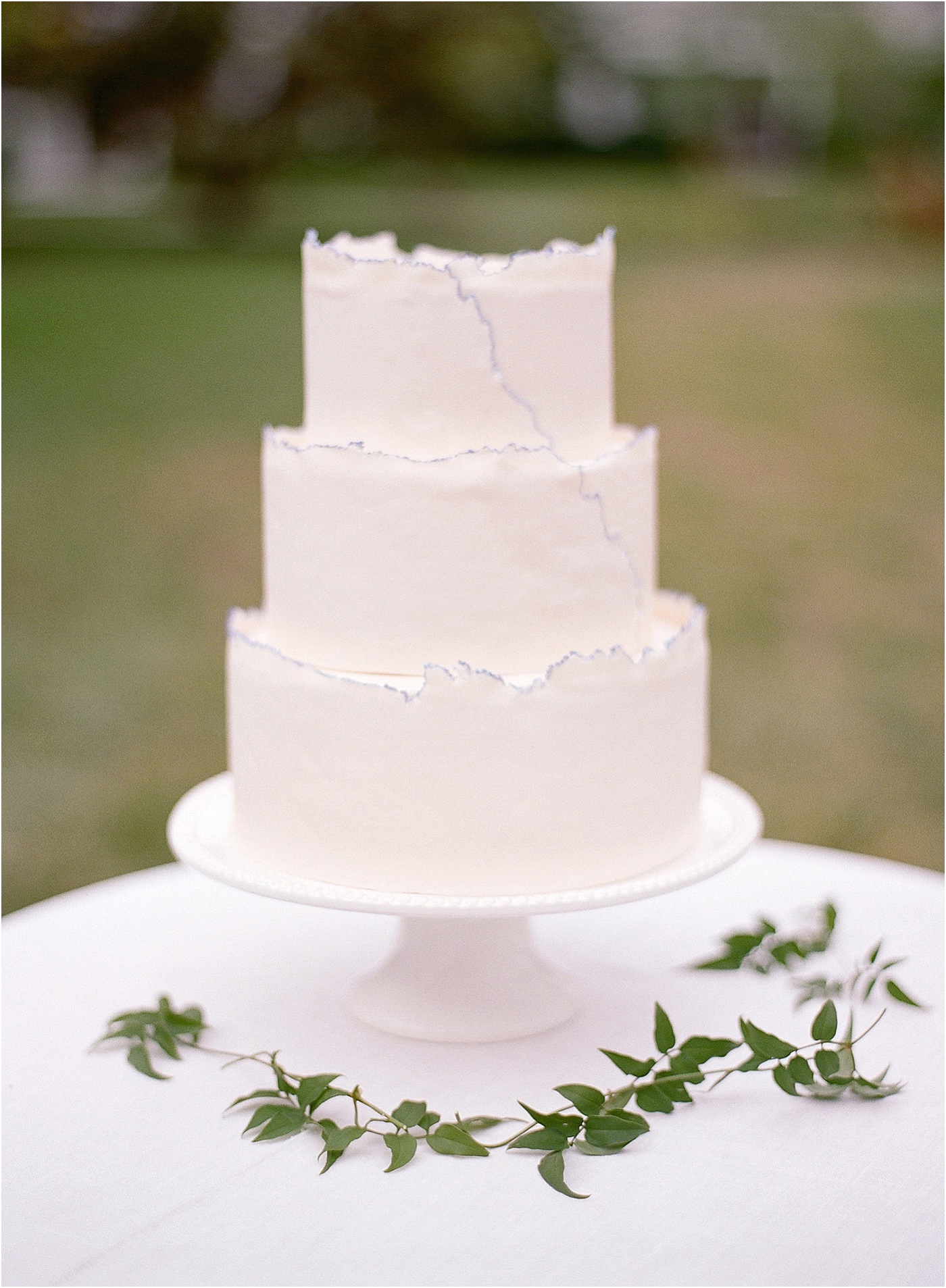 simple wedding cake hint of blue